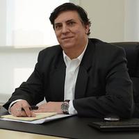 Dr Reginaldo Rena